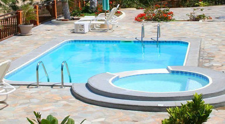 construire une piscine adapté à votre budget